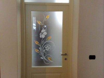 Vetri satinati sabbiati porte interne for Decorazioni su porte interne
